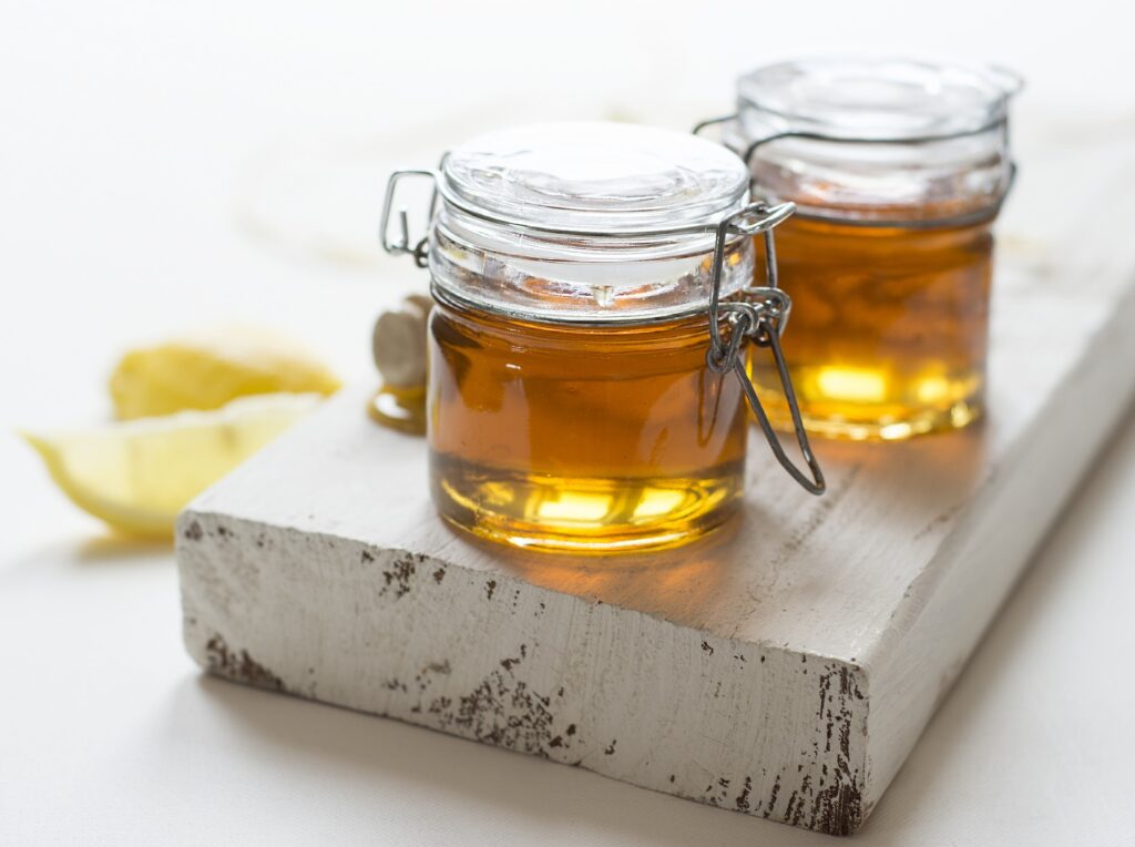 Benefits of Raw Honey & Where You Can Find It Today